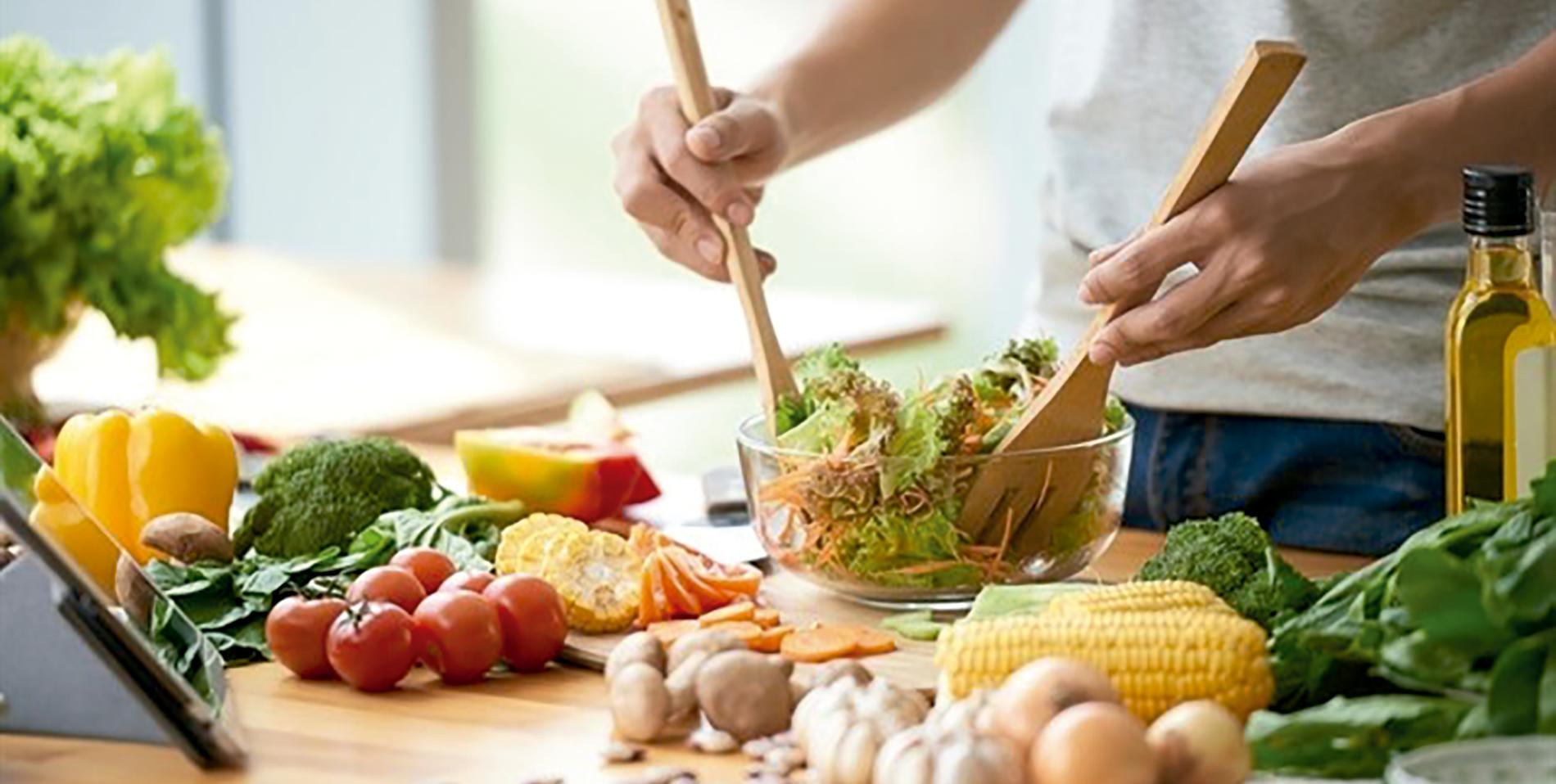 Cómo mantener una dieta saludable mientras dure la cuarentena según los expertos